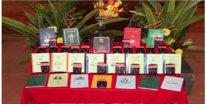 2018 bibles_1280x860